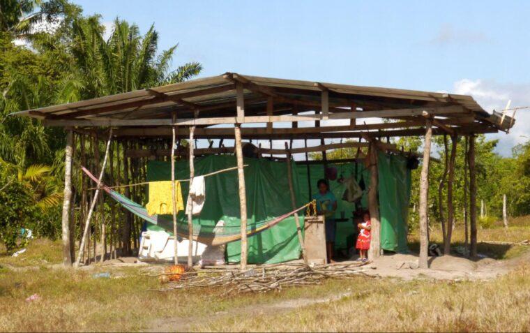 Emergency shelters for landless farmers in the Bajo Aguán Honduras